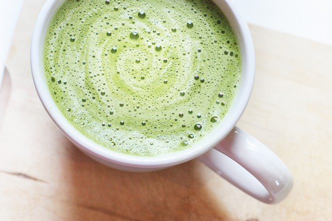 recipe for matcha green tea latte as an alternative to coffee